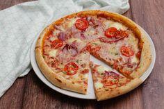 10 nagyon egyszerű étel vacsorára   Mindmegette.hu Taco Pizza, Hawaiian Pizza, Winter Food, Meat Recipes, Vegetable Pizza, Bacon, Pasta, Cheese, Dinner