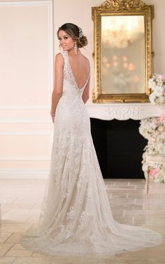 Wedding Dresses | Column Wedding Dress | Stella York #SoStella #weddingdress #6037