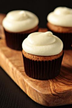 Pumpkin Spice Cupcakes by mybakingaddiction: Easy when you start with a box of Spice Cake mix! Moistest cupcakes ever! Party Desserts, Just Desserts, Delicious Desserts, Yummy Food, Baking Desserts, Cupcake Recipes, Cupcake Cakes, Dessert Recipes, Rose Cupcake