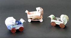 In diesem Youtube-Video wird dir Schritt für Schritt erklärt, wie du einen Kinderwagen aus Geldscheinen falten kannst.