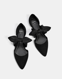 Flache Schuhe mit Schleife und Vichy-Karos