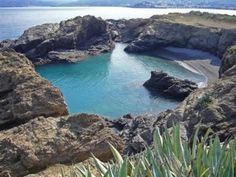 Cala Bramant, al nord del Cap de Creus. Girona, Catalonia. Places In Spain, Spain And Portugal, What A Wonderful World, Best Hotels, Wonders Of The World, Beach, Water, Pyrenees, Travel