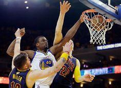 Curry pone a Warriors a uno más del título; LeBron anota 40 y hace triple doble