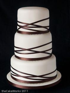 Elegant wedding cake -- ooh