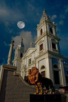 Luna, Catedral y el Leon