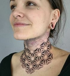 Ye post only women ke liye h jise maine woman back ke liye create kiya h so aapko is post me woman back ke liye very beautiful and style w... #tattoosformen #necktattoos Front Neck Tattoo, Full Neck Tattoos, Butterfly Neck Tattoo, Neck Tattoos Women, Neck Tattoo For Guys, Hand Tattoos For Guys, Head Tattoos, Back Tattoo, Tattoo Neck