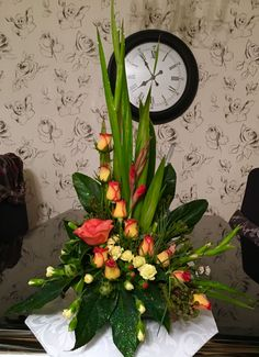 Latest Pictures simple Funeral Flowers Strategies If that you are preparing and also joining, memorials will always be the sorrowful and occasionally nerve-rack. Tropical Flowers, Tropical Floral Arrangements, Large Flower Arrangements, Funeral Flower Arrangements, Flower Centerpieces, Flower Decorations, Altar Flowers, Church Flowers, Funeral Flowers