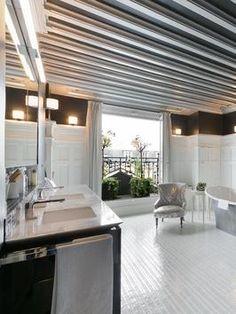 Bathroom: Black-and-White Bath in Paris, France