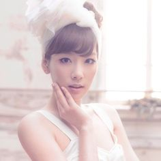 Girls' Generation's Taeyeon relieves stress with piercings?