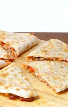 Lunch tip: Quesadillas with chicken Quesadillas, Italian Recipes, Mexican Food Recipes, Vegetarian Recipes, Healthy Recipes, Healthy Food, Pureed Food Recipes, Snack Recipes, Cooking Recipes