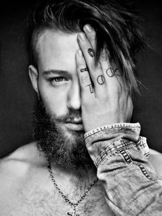 British model Declan-John Geraghty is photographed by Markus Lambert Short Beard, Sexy Beard, Beard Love, Perfect Beard, Mundo Tattoo, Brown Beard, Long Beards, Hipster Man, Beard Tattoo