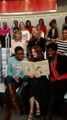 """Julianne Moore: """"Hey @FirstBook!  here i am on @TheView reading Freckleface #shelfie http://www.firstbook.org/beinspired  """""""