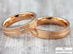 Eheringe+mit+Diamant+4+&+5mm,+585+Rotgold,+3326++++von+Schmuckbotschaften+auf+DaWanda.com  #schmuckbotschaften #goldschmiede #berlin #schoeneberg #gabrielegewecke #eheringe #trauringe #hochzeitsringe #individuell #gold #silber #platin #handarbeit #handmade #jewelry #weddingsrings #goldsmith #diamond #brillant