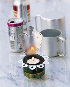 Julpyssel 9: Gör söta lampetter av tomburkar