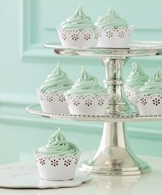 Mint + White Doily Cupcake Holders for a #wedding or #shower