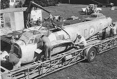 De Havilland Vampire, Rolls Royce Merlin, De Havilland Mosquito, Warrant Officer, Ww2 Planes, Aircraft Design, History Books, World War Two, Wwii