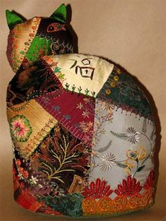 Geradine Nehl's created this great crazy quilted Harvest Cat.