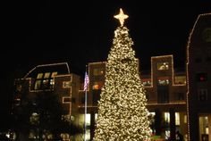 DFW Holiday Lights Displays: FRISCO: Christmas in the Square