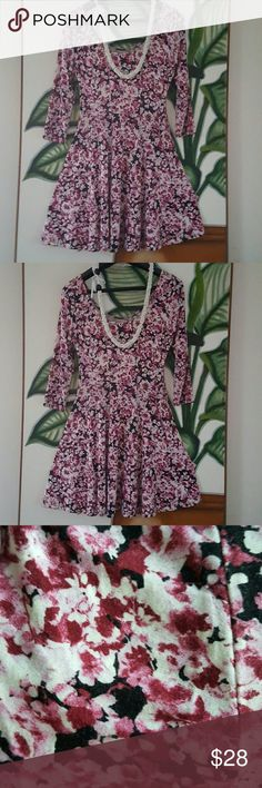 "SOPHIA + ZEKE  flower dress Cute,  comfortable and pretty dress with long sleeves.  Made in Mexico 97% polyester 3% spandex Great condition 34"" long, 15"" chest  It's very stretchy material, It's a true medium I think. SOPHIA  + ZEKE  Dresses Mini"