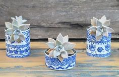 10 Easy DIY Projects To Transform The Old Cans In Beautiful Home Furnishings Recycled Planters, Recycled Crafts, Tin Can Crafts, Diy And Crafts, Vasos Vintage, Easy Diy Projects, Projects To Try, Cactus, Painted Clay Pots