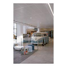 Volkswagen, Milton Keynes.  #BCO #bcoawards #linear #metal #ceiling #commercialofficefitout #officestyle #aesthetic #interiordesign #metalwork #tubeline #design #architecture #manufacturing #designled #volkswagen #lookingup
