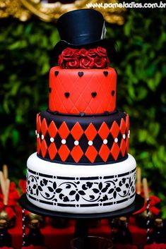 King and Queen of Hearts Party with Lots of Awesome Ideas via Kara's Party Ideas | KarasPartyIdeas.com #AliceInWonderland #OffWithTheirHeads #QueenOfHearts #PartyIdeas #Wedding #ValentinesDay