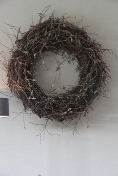 Christmas Diy, Christmas Wreaths, Xmas, Grapevine Wreath, Magnolia, Flower Arrangements, Holiday Decor, Flowers, Home Decor