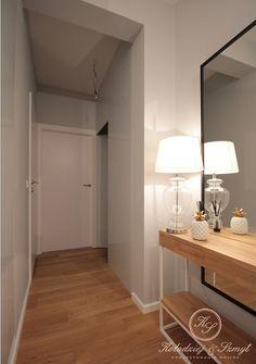 Drewno i popiel w nowoczesnym przedpokoju - Architektura, wnętrza, technologia… Oversized Mirror, Furniture, Home Decor, Decoration Home, Room Decor, Home Furnishings, Home Interior Design, Home Decoration, Interior Design