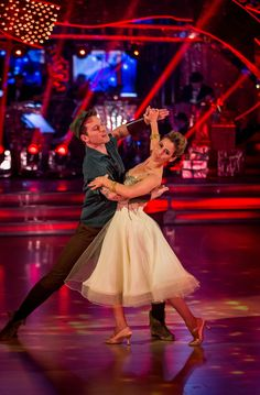 International Standard Waltz is distinguished by the fact that the partners dance exclusively in closed position, which means the couple never breaks the embrace. Vogue Dance, Bbc Home, Rachel Stevens, Waltz Dance, Sports Headlines, Partner Dance, Strictly Come Dancing, Ballroom Dancing, My Favorite Image