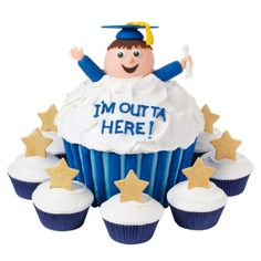 Capture the essence of the moment with this beaming graduate. He's all smiles, thanks to our Dimensions Large Cupcake Pan.