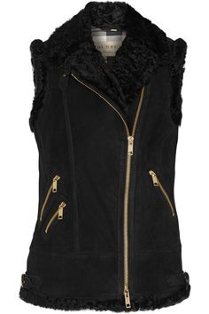 Black shearling Asymmetric two-way zip fastening through front 100% shearling (Lamb); lining1: 100% cotton; lining2: 100% cupro Specalist clean