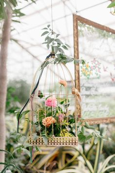 Bringing all of the greenhouse wedding vibes, this is a must-see if you want a garden wedding but isn't sure where to start! #greenhousewedding #gardenweddingdetails #botanicalweddingcenterpieces Unique Wedding Cakes, Magical Wedding, Whimsical Wedding, Wedding Trends, Wedding Designs, Wedding Blog, Wedding Ideas, Greenhouse Wedding, Garden Wedding
