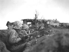 Picture: US Marines in Iwo Jima. Feb-March 1945.