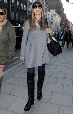 Jessica Biel Photo - Jessica Biel Shops in London