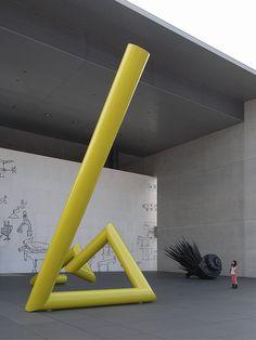 No.248-1 猪熊弦一郎現代美術館 谷口吉生建築設計研究所 香川県丸亀市 1991年 http://ja.wikipedia.org/wiki/%E8%B0%B7%E5%8F%A3%E5%90%89%E7%94%9F 谷口氏の美術館建築としては、代表作の1つ。ファサードの猪熊氏の絵もgood!