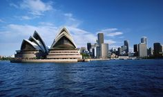 Australia is by far the most popular expat destination but navigating visas and finding work can be tricky – here are some top tips for getting your dream job abroad