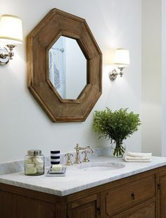 natural, mirror and light fixtures