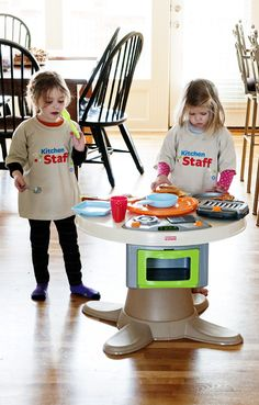Holiday Gift Idea For Your Little Kitchen Helpers! - dineanddish.net