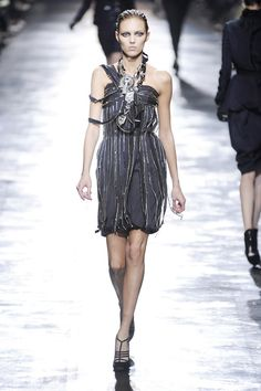 Pin for Later: Fall in Love With the Lanvin Runways Fall 2008 More metallic tones and another variation on the cocktail frock from Fall Gussied Up, Nice Dresses, Amazing Dresses, Popsugar, Lanvin, World Of Fashion, Frocks, Photo Galleries, Runway