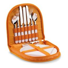 Set de picnic para 2 personas en caja de poliéster 600D con asapara un transprotar. Incluye 11 accesorios de picnic.
