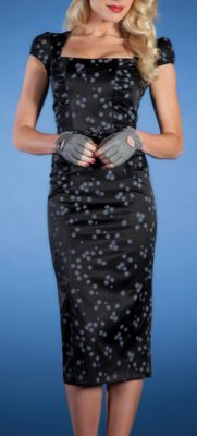 Another great dress giveaway from Staring! Stop Staring Dress-a-Week Giveaway: Week 4 Black Pencil Dress, Black Polka Dot Dress, Pin Up Dresses, Cute Dresses, Fashion Dresses, Retro Outfits, Vintage Outfits, Vintage Fashion, Stop Staring Dresses