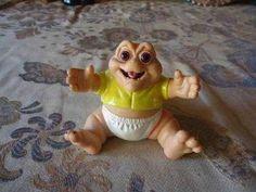 Baby, da Família Dinossauro | 60 brinquedos dos anos 80 e 90 que farão você querer inventar uma máquina do tempo
