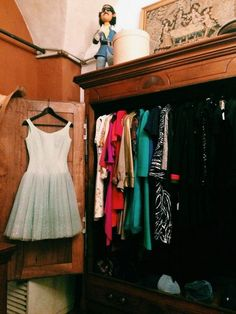 Guide to the best vintage and thrift shopping in florence