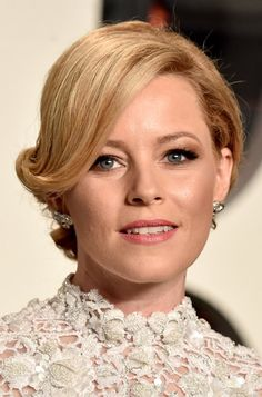 At the Vanity Fair Oscars party, Elizabeth wore gorgeous, shimmery taupe shadow that made her blue eyes pop. Blue Eyes Pop, 10 Most Beautiful Women, Elizabeth Banks, Hottest Female Celebrities, Victoria Secret Fashion, Wedding Art, Female Images, Beautiful Actresses, Makeup Looks