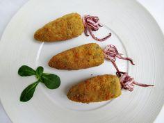 Croquetas de arroz negro con chipirones