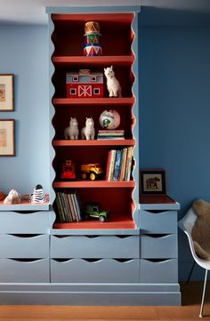KIDS BEDROOM: Why runaway to the circus when you can runaway to the NY Loft instead? Studio Giancarlo Valle brings this bedroom to life with the vibrant combo of red and blue.