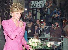 Há um motivo pelo qual a princesa Diana nunca usava luvas - Caras