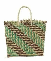 ME011220 Kete Whakairo (bag)