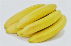 32 Unusual Uses for Bananas - from healing bruises to fertilizing plants