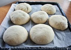 hamp.sämp2 Daily Bread, Bread Recipes, Bakery, Brunch, Easy Meals, Rolls, Food And Drink, Yummy Food, Sweets